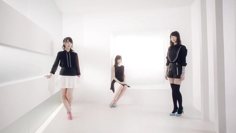 11/25発売「Happy Days Refrain」 MVが公開ですっ!</h3>